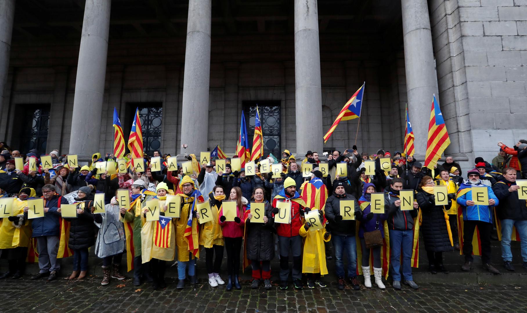 45 000 personnes manifestent à Bruxelles pour l'indépendance de la Catalogne (IMAGES)