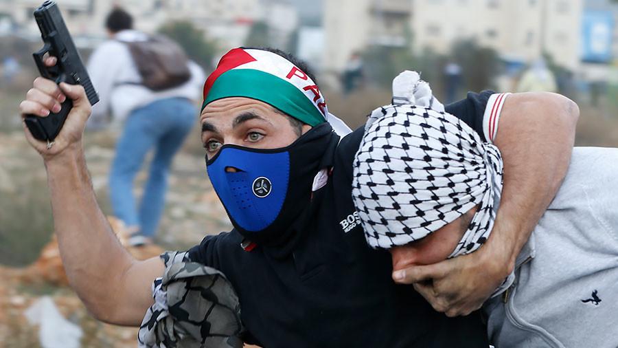 Des agents infiltrés israéliens dispersent une manifestation de Palestiniens à Ramallah (IMAGES)