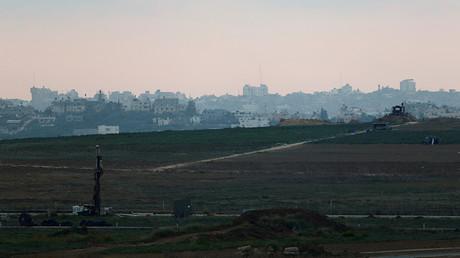 Une vue générale qui montre la frontière entre Israël et la bande de Gaza