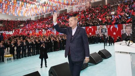 Recep Erdogan lors de son discours à Sivas le 10 décembre