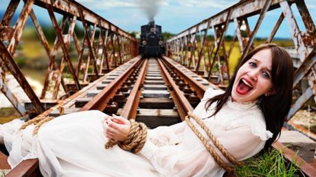 «Avec le TGV, elle aurait moins souffert»: Robert Ménard choque (encore) avec une affiche municipale