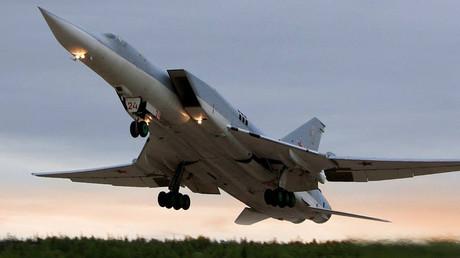 Mission accomplie : les avions militaires russes quittent progressivement la Syrie (VIDEOS)