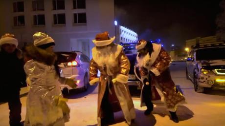Des Pères Noёl célèbrent le Nouvel an par -42 °C à Iakoutsk
