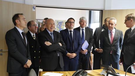 Gérard Collomb, le ministre de l'Intérieur, visite le nouveau siège de la police judiciaire le 19 octobre 2017.