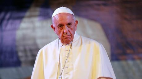 Des fake news, tu ne colporteras point : le pape François taxe la désinformation de «péché grave»