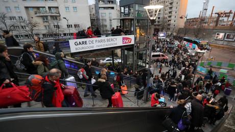 Affluence exceptionnelle à la gare de Paris Bercy, le 23 décembre.