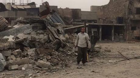 Plus de cinq mois après la libération de Mossoul, les habitants survivent toujours dans une ville en ruine, photo ©RT