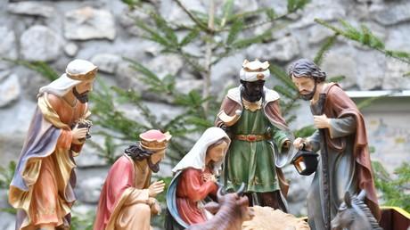 Jésus volé et remplacé par une endive dans une crèche pour protester contre le sort des migrants