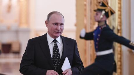 Vladimir Poutine dépose son dossier de candidature à l'élection présidentielle de 2018 (VIDEO)