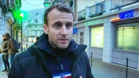 Capture d'écran d'Emmanuel Macron interviewé par LCI
