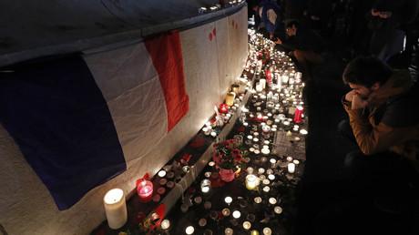 Hommages place de la République aux victimes de l'attentat du Bataclan, le 13 novembre 2016 (illustration)