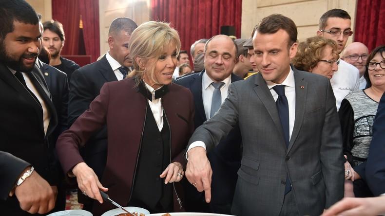 Galette des rois et des reines» du couple Macron : l'AFP au cœur de la  polémique sur Twitter — RT en français