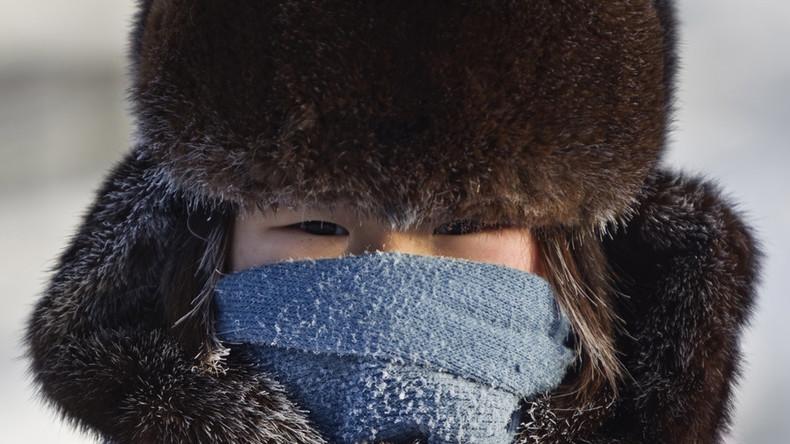 Dans le village le plus froid du monde, en Sibérie, la vie s'écoule normalement par -62°C (IMAGES)
