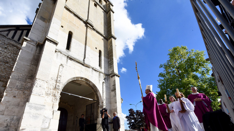 Saint-Etienne-du-Rouvray : le renseignement militaire aurait été au courant d'un projet d'attentat