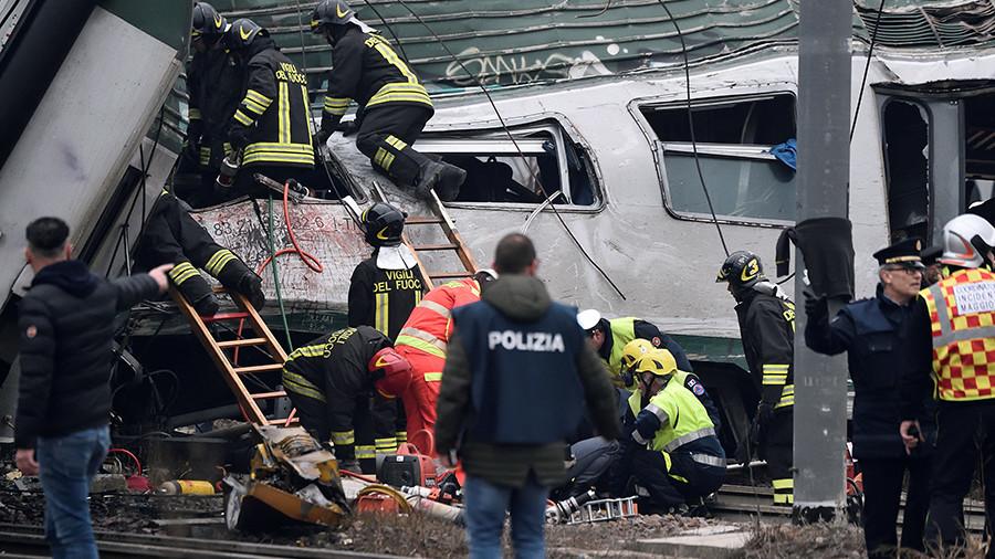 LEAD 2-Un train déraille près de Milan, trois à cinq morts