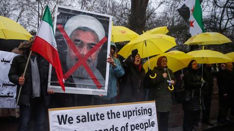 Des manifestations de soutien ont été organisées dans plusieurs villes en Europe, ici à Londres, devant l'ambassade iranienne, le 31 décembre 2017.