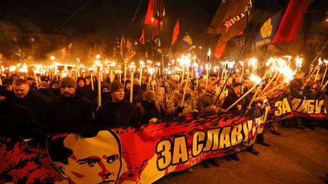 Des nationalistes ukrainiens commémorant Stepan Bandera