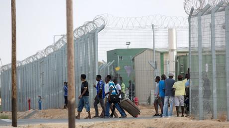 Centre de rétention israélien de Holot, dans le désert du Néguev en 2015