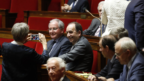 Jean-Michel Clément dans l'hémicycle le 22 février 2017 (à gauche, de face).