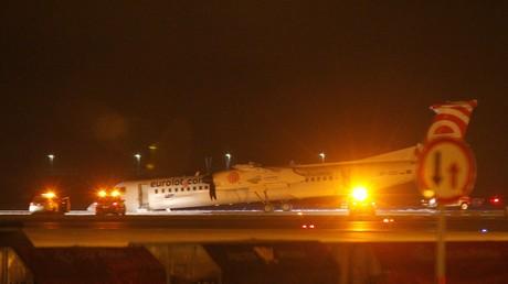 L'aéroport de Varsovie fermé après l'atterrissage d'urgence d'un avion (IMAGES)