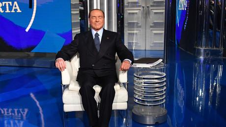Silvio Berlusconi interviewé dans l'émission Porta a Porta