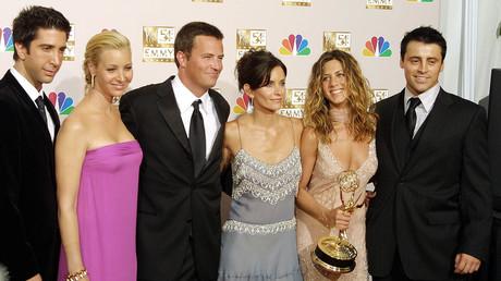 Les acteurs de la série Friends recevant un Emmy awards de la meilleure série comique en 2002
