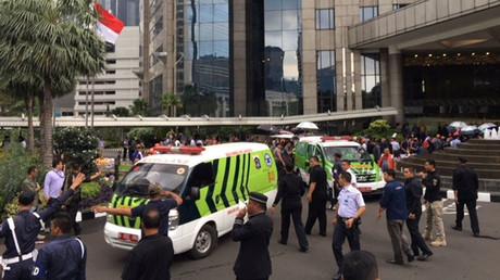 Au moins 75 blessés dans l'effondrement d'un étage à la bourse de Jakarta (VIDEO CHOC)