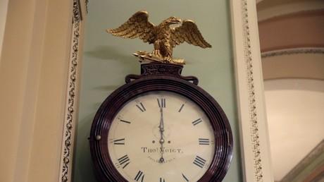 Horloge au Sénat américain, le 20 janvier à minuit