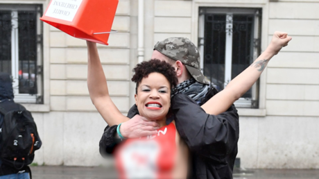 A Paris, la Marche pour la vie émaillée d'incidents (IMAGES)