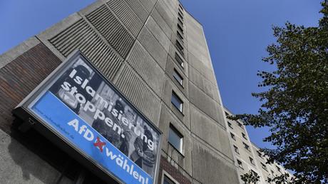Une affiche de campagne de l'AfD comportant les mots