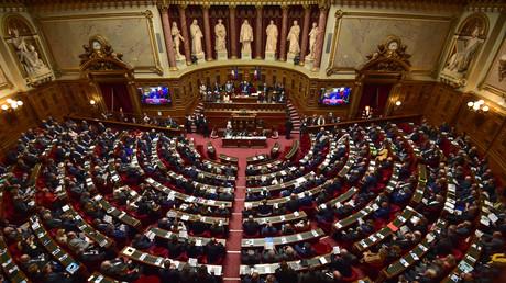 Le Sénat adopte les ordonnances sur le code du travail grâce à la droite, le groupe LREM s'abstient