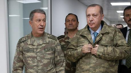 Recep Tayyip Erdogan (droite) et son chef d'état-major le 25 janvier 2018, photo Reuters