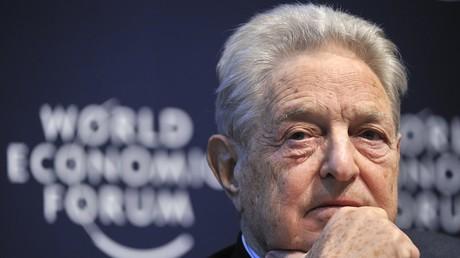 «Leurs jours sont comptés» : George Soros prédit la fin des monopoles de Google et Facebook