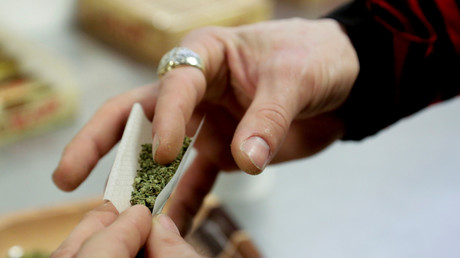 Des amendes à payer sur place pour les fumeurs de cannabis