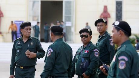 Dix étrangers arrêtés pour «des chants et des danses pornographiques» au Cambodge