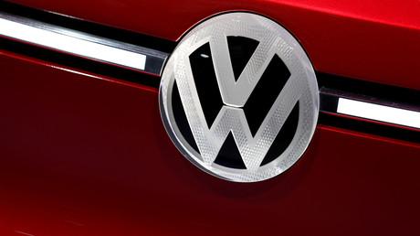 Volkswagen aurait aussi conduit des tests sur des humains : le gouvernement allemand condamne