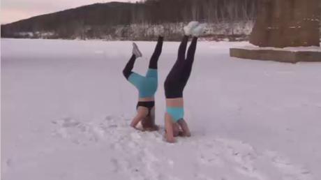 Pratiquez le yoga par -41 degrés en extérieur