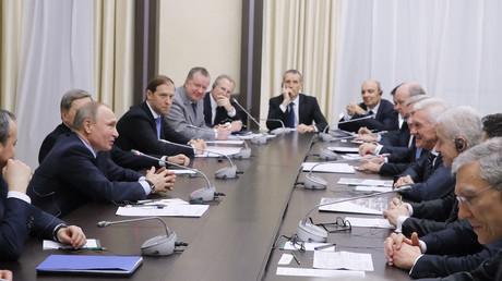 Vladimir Poutine : la France est «l'un des partenaires clés» de la Russie en Europe