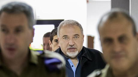 Le ministre israélien de la Défense Avigdor Lieberman cible et menace le Liban