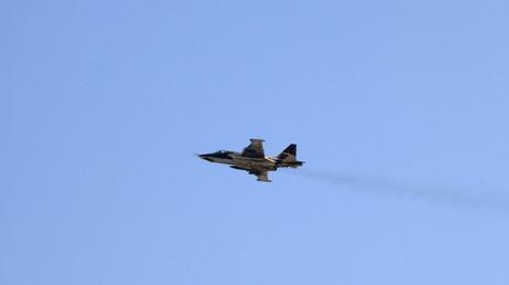 Un avion militaire russe Su-25 s'est écrasé en Syrie, son pilote a été tué