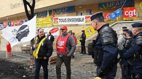 Prisons en grève : la CGT et FO pénitentiaire continuent de mener la fronde (VIDEOS)