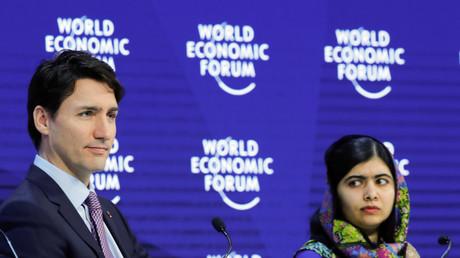 Justin Trudeau et l'activiste politique Malala Yousafzai à Davos, janvier 2018, illustration.