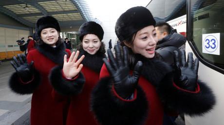 JO 2018 : les pom-pom girls nord-coréennes sont arrivées à Pyeongchang (IMAGES)