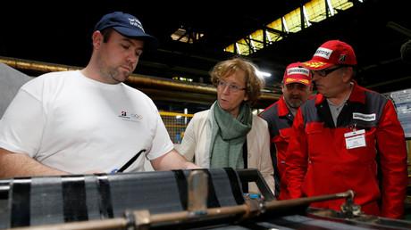 Muriel Pénicaud, à la rencontre des salariés de Bridgestone à Béthune