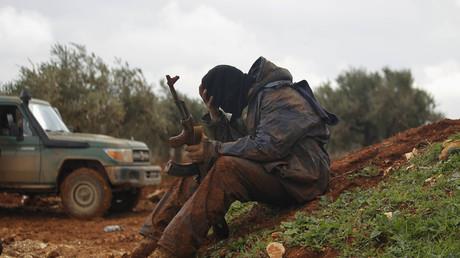 «Ils voulaient me convaincre de devenir kamikaze» : un Russe raconte à RT sa vie auprès de Daesh