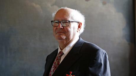"""Pour Serge Klarsfeld, «tous ceux qui évoquent les """"camps polonais"""" insultent la Pologne»"""