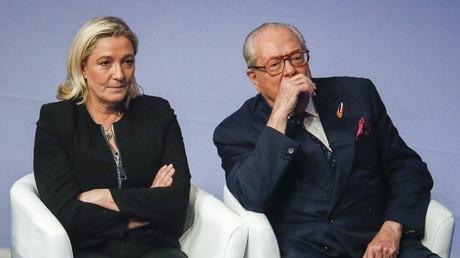 Marine Le Pen et Jean-Marie Le Pen lors du congrès du FN à Lyon, novembre 2014, illustration