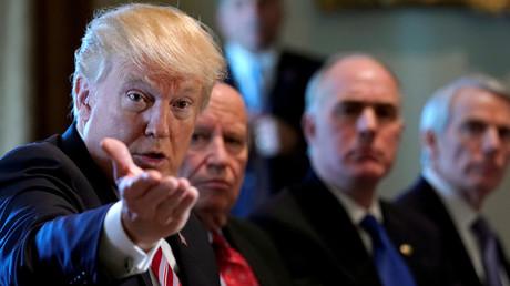 Donald Trump rencontre des membres du Congrès américain à la Maison Blanche, le 14 février, illustration