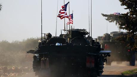 Illustration : colonne de véhicules militaires américains en Syrie, photo ©DELIL SOULEIMAN / AFP