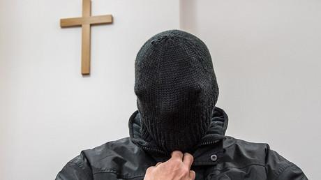 L'ancien prêtre sur le banc des accusés au tribunal de Deggendorf en Allemagne, le 22 février